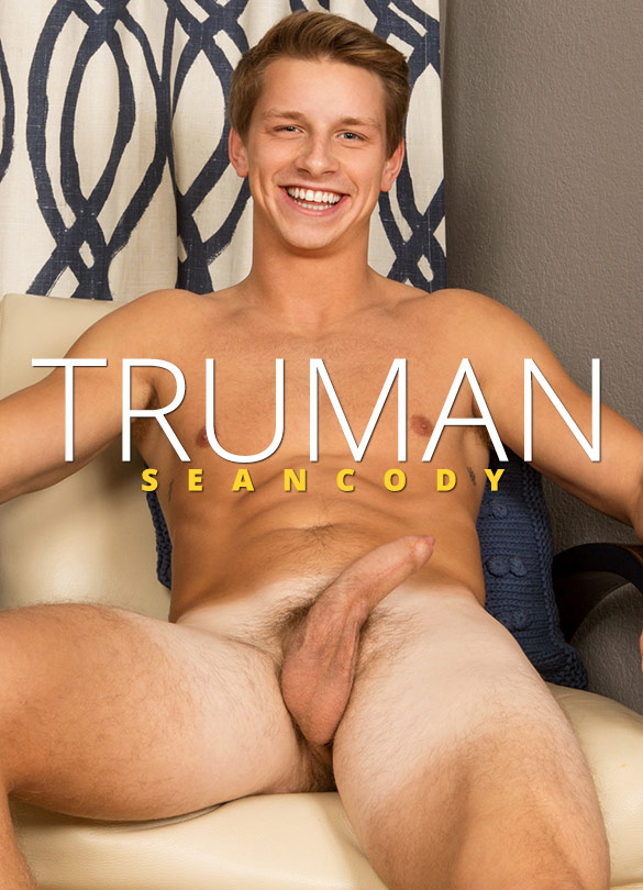 Sean Cody: Truman rubs one out